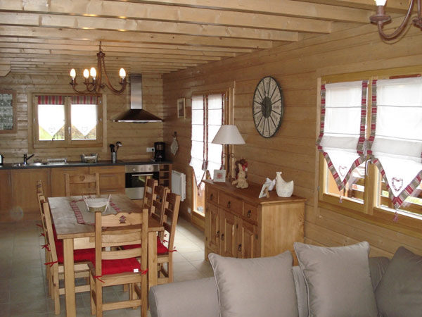 L 39 authenticit du chalet en bois for Interieur chalet en bois